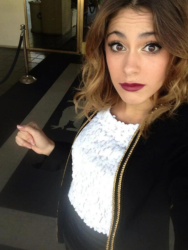 News photo de tini